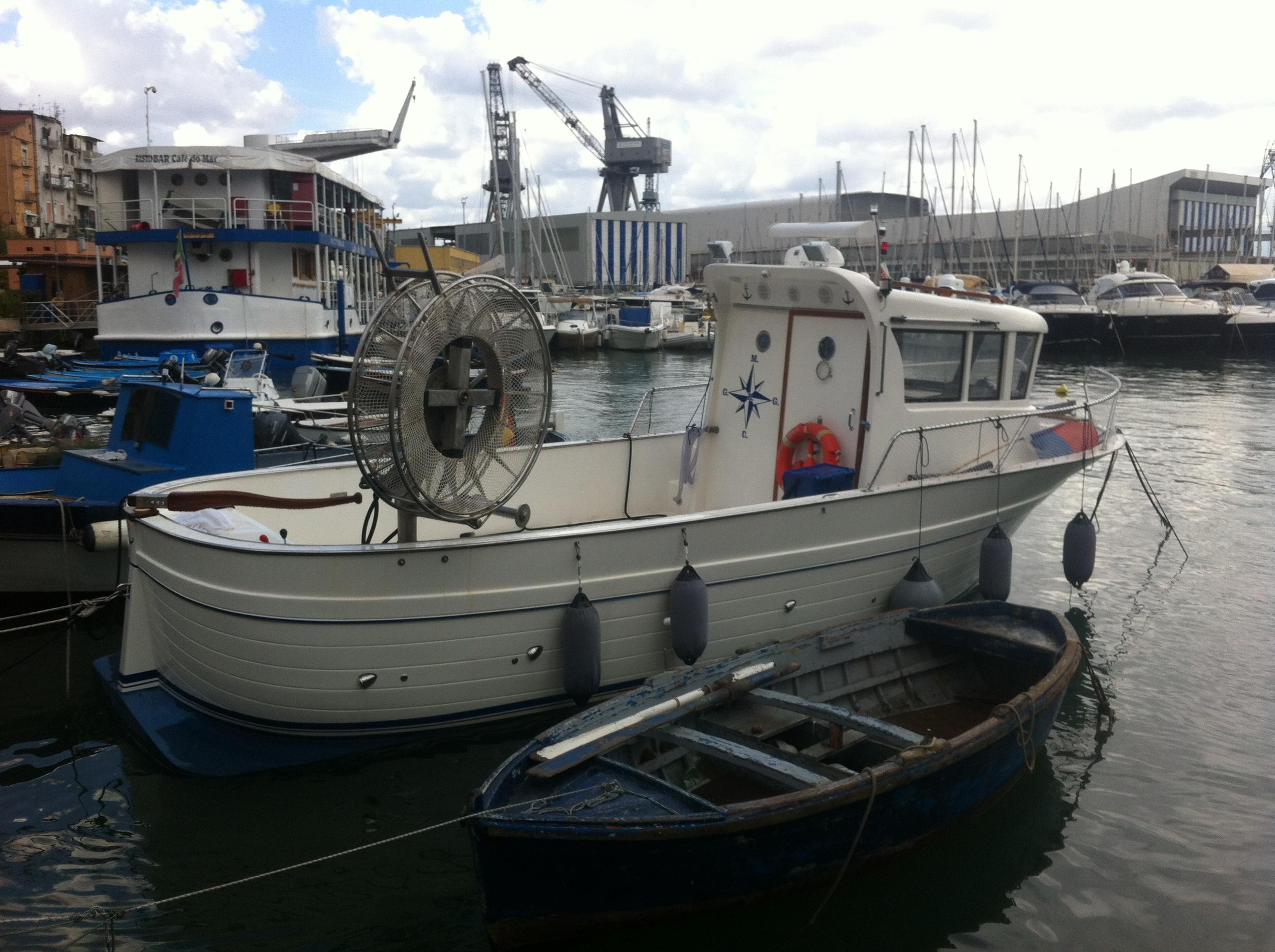 Cilento 32 cabin fish pesca lavoro for Barca a vapore per barche da pesca
